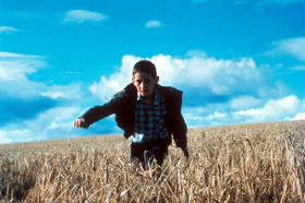 Ratcatcher (1999) Directed by Lynne Ramsay Shown: William Eadie (as James)